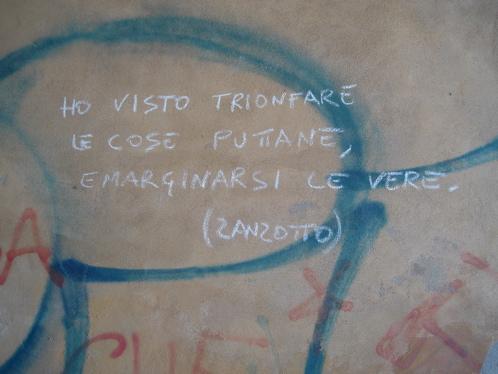 graffitti-ho-visto-trionfare-le-cose-putane.jpg