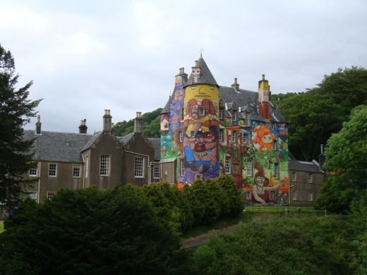 Die farbenfrohe Burg